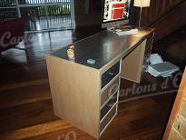 Bureau recouvert de Métal ( fer blanc) avec 8 tiroirs