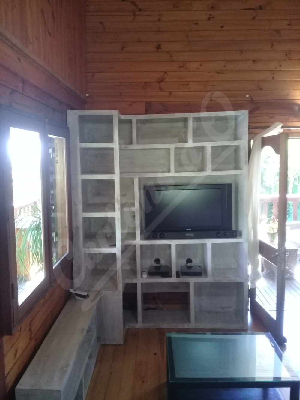Meuble TV avec bibliothèque